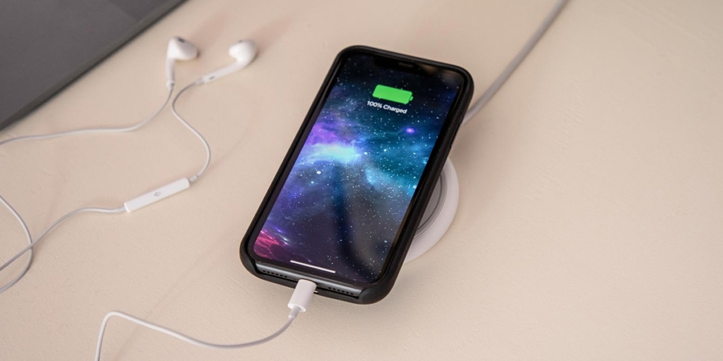 iPhone XS Max qui charge